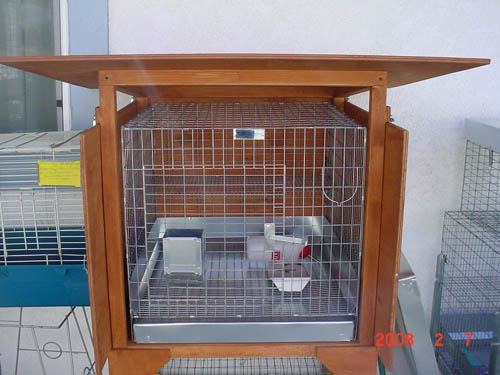 Outdoor Hutch - Holds 30 x 30 cage